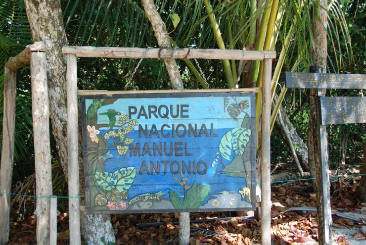 full-manuel-antonio-park-sign(1)